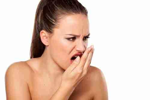 Tratamento Caseiro para mau hálito: Veja dicas para acabar com isso!